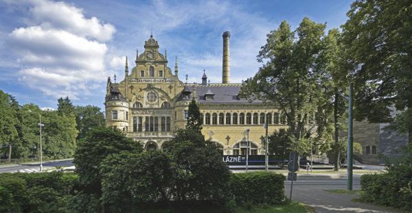 Revitalizace městských lázní na galerijní budovu liberec