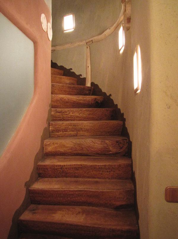 Obr. 10. Uplatnění hliněných materiálů v interiéru stavby