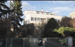 Dům Lisý v osadě Baba od Antonína Heythuma a Evžena Linharta