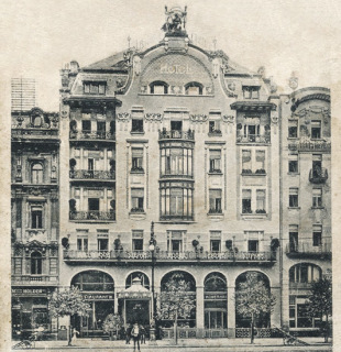 Hotel U Arcivévody Štěpána a hotelu Garni na Václavském náměstí v Praze (přestavba 1904–1905), foto před rokem 1918 (zdroj: www.prazdnedomy.cz)