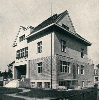 Vila Dr. F. Bayera na Ořechovce v Praze, 1926