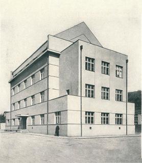 Správní budova plynárny v Michli