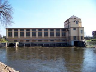 Vodní elektrárna v Nymburce, spolu s Ing. J. Bartovským a Ing. E. Zimmlerem