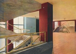 Všeobecný penzijní ústav na Žižkově – vzácná barevná fotografie původního interiéru schodiště