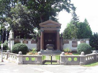 Hrobka rodiny Thonetů na vídeňském  centrálním  hřbitově