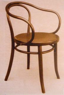 Kancelářské  křeslo č. 6009 bylo oblíbené  zejména mezi funkcionalistickými architekty včetně Le Corbusiera