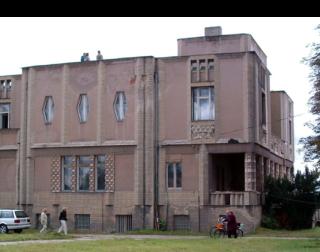 Obr. 07 Vila generálního rady Beniese v Lysé nad Labem, 1912–1913 (foto: Antonín Foller, 2005, volné dílo)