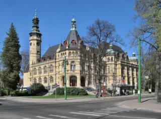 Severočeské muzeum v Liberci z let 1895–1898 (zdroj: Rawac, 2007, Wikimedia Commons, CC BY-SA 3.0)