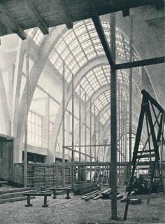 Stavba Obchodně-průmyslového paláce na brněnském výstavišti před instalací zařízení interiéru, 1928