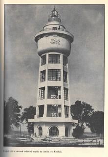 Majáková a vodárenská věž ve Kbelích z roku 1927