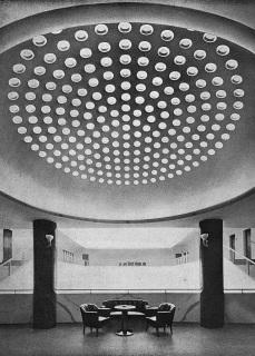 Malá báň lázeňského pavilonu se skleněnými čočkami