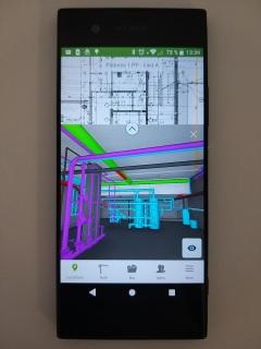 Obr. 2 Mobilní aplikace umožňuje práci s modelem přímo na stavbě či při jednání