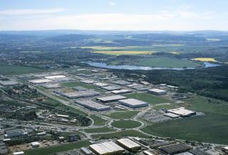 Obr. 6 Letecký snímek 2006, v popředí MAKRO, další výrazný rozvoj lokality