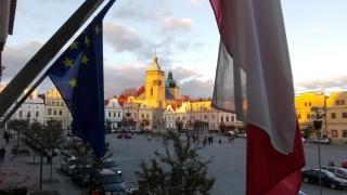 Současný pohled na opravené historické náměstí