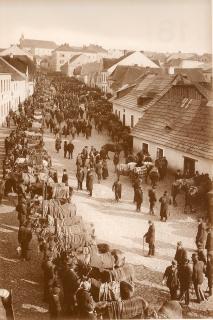 Středověký uliční prostor nazývaný Rosmark (Koňský trh) z počátku 20. století, zbouraný v rámci rozsáhlé asanace v letech 1970–1978