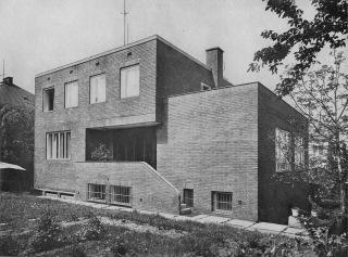 Obr. 1 Vila malíře Václava Špály po dokončení v roce 1938, Volné směry XXXV (1938), autor neznámý, volné dílo