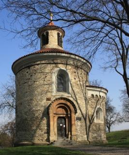 Rotunda sv. Martina na Vyšehradě, restaurovaná podle návrhu Antonína Bauma