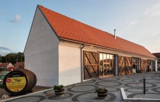 Vinařská stodola – pohled z Vinařského náměstí