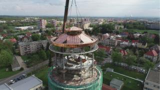 Obr. 19 Novou nosnou konstrukci střechy a lucerny tvoří rotačně paprsčité krokve doplněné kruhovými obvodovými prstenci