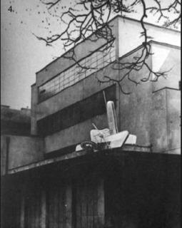 Dobová fotografie Edisonovy transformační stanice, 1930, ještě s kinetickou plastikou