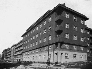 Blok obytných domů ve Vršovicích