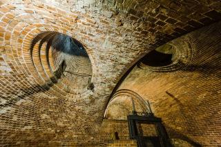 Ventilační průduchy (světlíky) v komoře vodního kola, 2018 (foto: Tomáš Malý)