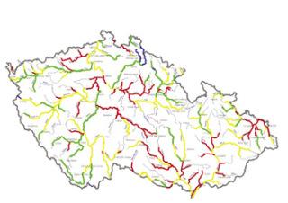 Mapa kvality vody ve významných vodních tocích, hodnocených jako průměr z dvouletých hodnocení (dvanáct odběrů ročně) v období 1990–1991