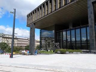 Prostor budoucí mysové zastávky před novou budovou Národního muzea