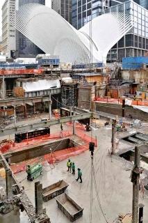 Obr. 14. Demontáž stávajících ocelových konstrukcí prvních dvou podzemních podlaží (březen 2017)