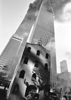 Obr. 05. Původní kostel sv. Martina těsně před zřícením jižní věže Twin Towers
