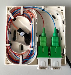 Obr. 18  Standardní zásuvka se dvěma porty