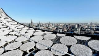 Obr. 48 Hliníkové terče na střeše Elbphilharmonie