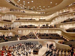 Obr. 52 Interiér Velkého sálu Elbphilharmonie