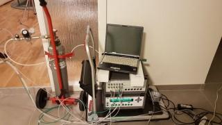Obr. 02 Fotoakustický  analyzátor plynů sloužící k měření koncentrace plynů v ovzduší nebo stanovení intenzity výměny vzduchu v místnostech