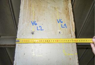 Obr. 11a Ilustrační pohled na kontrolní vývrty endoskopického průzkumu na levém krajním diagonálním prutu vazníku