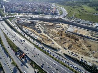 Letecký pohled na část staveniště depa metra