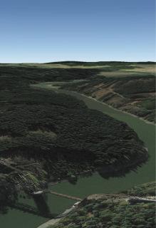 02 Hlavní terénní překážkou jednokolejné trati z Pňovan do Bezdružic je vodní nádrž Hracholusky na Mži