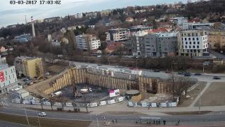 Způsob založení, které bylo zkomplikováno těsnou blízkostí stanice metra Nádraží Veleslavín – kruhový objekt na snímku je požární zásahová cesta do stanice metra
