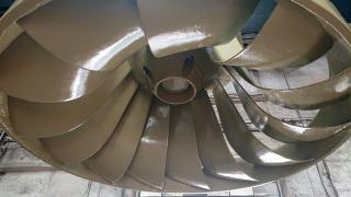 Mezivrstva nástřiku kovového materiálu