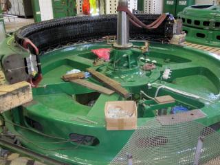 Zpětná montáž statoru generátoru
