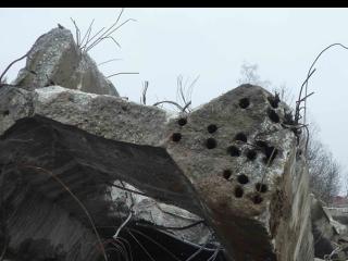 Obr. 5 Chýbajúca betonárska výstuž v nosníku, nezainjektované kanáliky