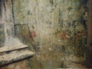 Degradace povrchů v kontaktu s kamennými prvky