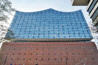 Obr. 10 Monumentální východní průčelí Elbphilharmonie