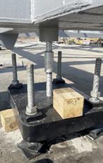 Obr. 16 Zavěšení betonové desky na superkonstrukci