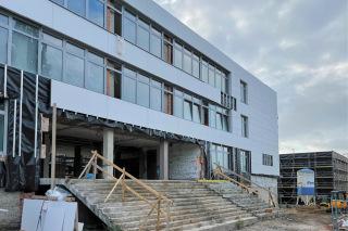 Obr. 01 SO 101 – hlavní vstup do budovy školy