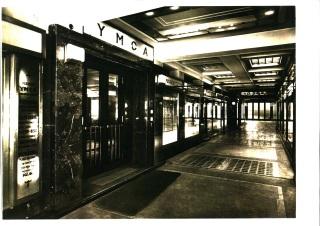 Pasáž paláce YMCA – původní stav. Vzadu průchod do ulice V Celnici (zdroj: archiv Palác YMCA, s.r.o.).