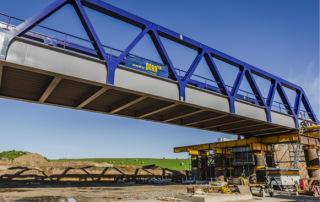 Vysouvání železničního mostu SO 240