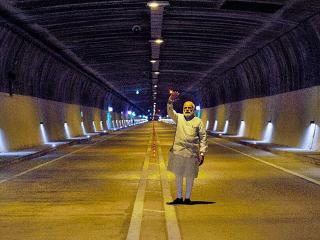 Obr. 08 Ministerský předseda Indie Narendra Modi otvírá tunel Chenani – Nashri pod Patnitopem (duben 2017)