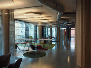 Interiér kanceláří podle návrhu architekta Stanislava Fialy