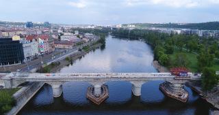 Obr. 14 SO 14-14 – žulový most před dokončením